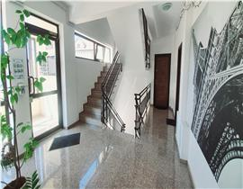 Apartament 2 camere central Otopeni, bloc curat si cochet