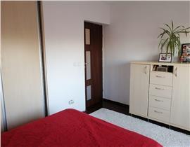 OTOPENI - STR. MARASTI - Apartament 3 camere, decomandat